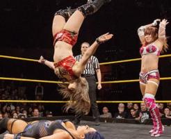 WWENXTでタッグ結成紫雷イオ&カイリ・セイン