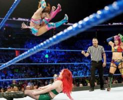 WWEで結成海賊女帝コンビ