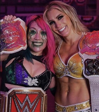 WWE女子タッグ新王者