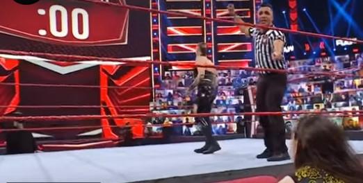 WWE女子ビート・ザ・クロック・チャレンジ