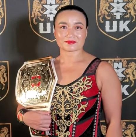 WWE里村芽衣子