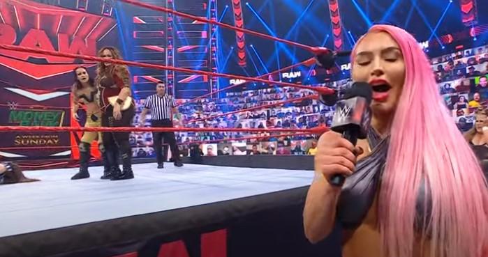 WWEロウ8人タッグアスカ登場。